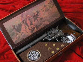 COLT PEACE MAKER 1873r SINGLE ACTION ARMY CAL 45 stalowy drewno (k1064-1WP)