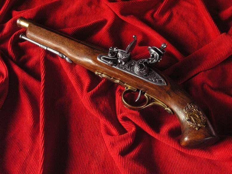 francuski pistolet skałkowy