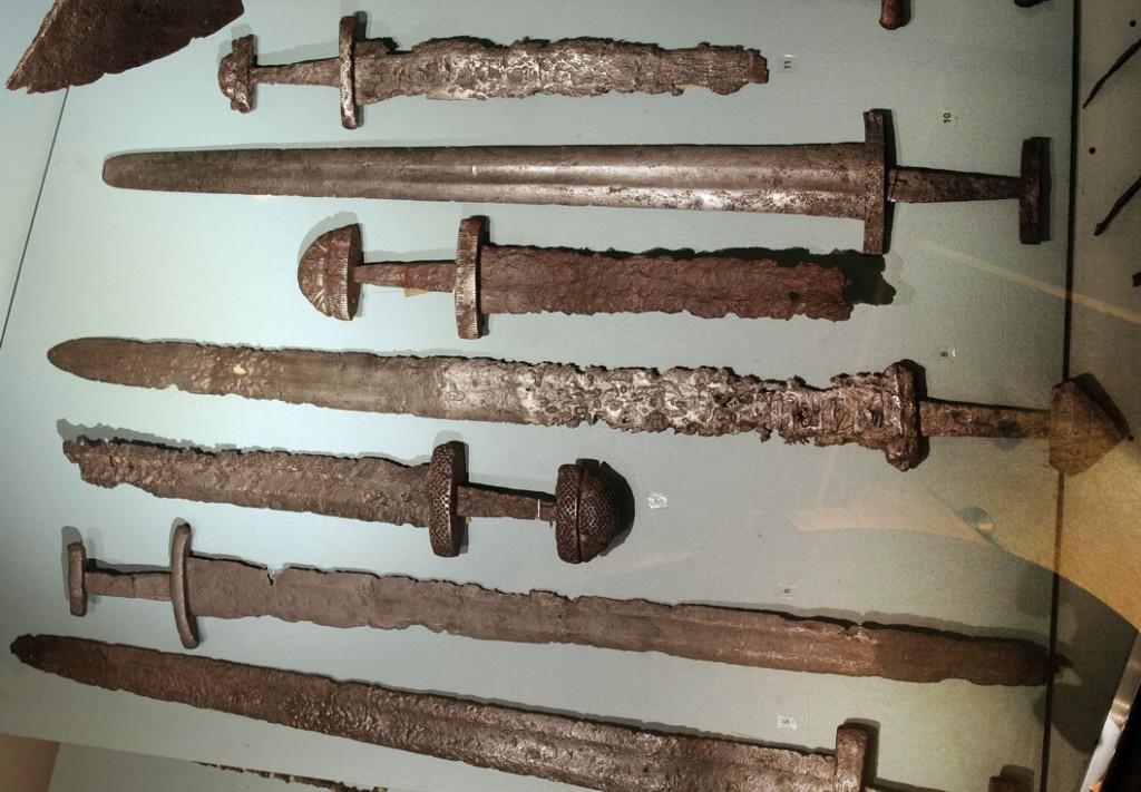 miecze Wikingów w muzeum